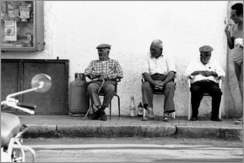 vecchi-seduti