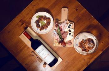Wonderful wine and antipasti at Giudamino