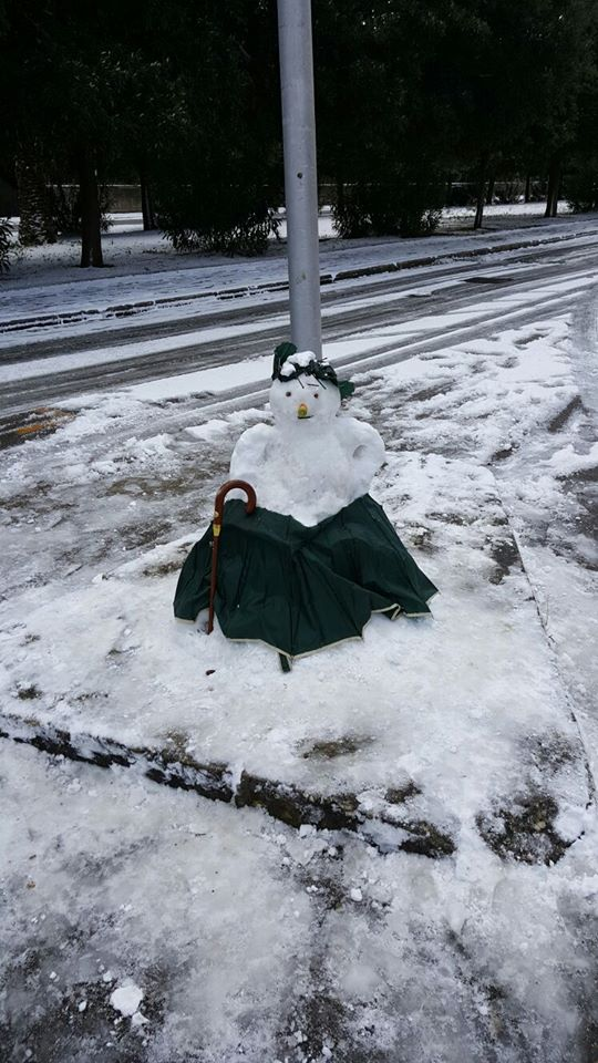 Snowman or snowoman?