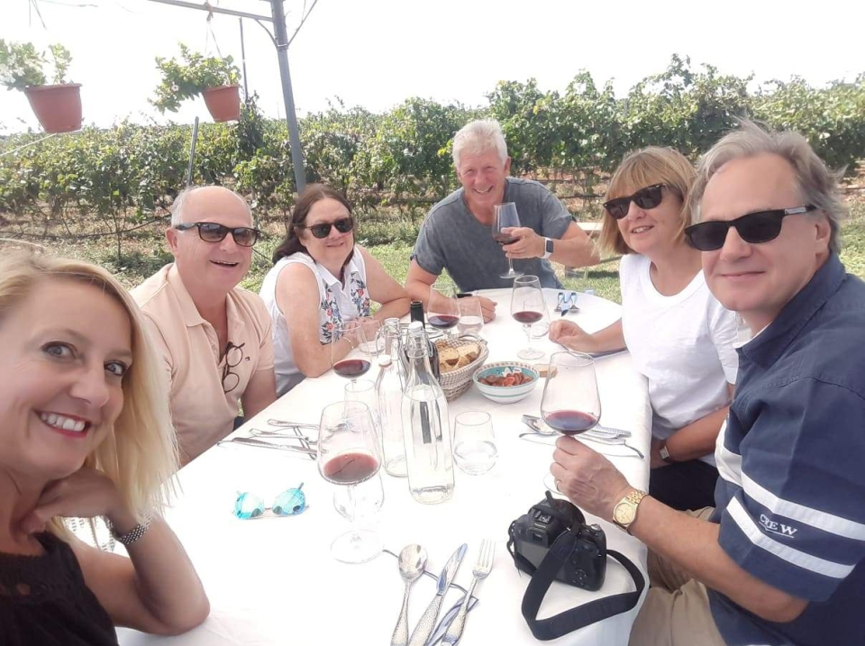 Lunch in the vineyard with Puglian Pleasures